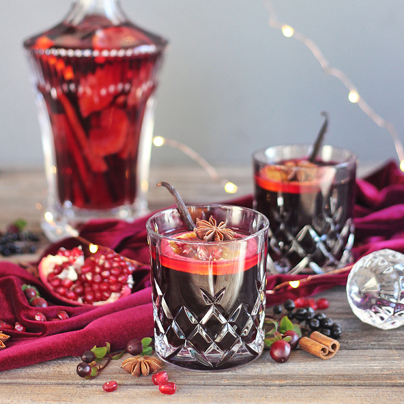 VANILLA POMEGRANATE MULLED WINE - JustineCelina